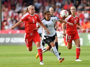 Piłka nożna kobiet: Irlandia Północna o krok od EURO 2022