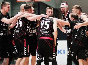 Koszykówka - Suzuki 1LM: Czarni bliscy finału, Górnik zrewanżował się WKK