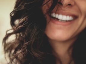 Nowe zęby w jeden dzień? To możliwe z innowacyjną technologią All-on-4