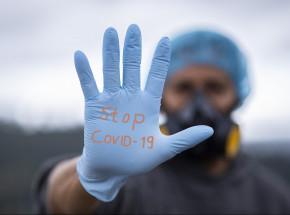 Brazylia: pracownicy służby zdrowia oskarżeni o podawanie szczepionek przeciw COVID-19 pustymi strzykawkami