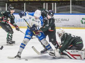 Hokej: zacięta walka w PHL
