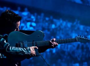 Nagrody od Foo Fighters, Iron Maiden czy Muse w akcji charytatywnej