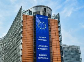 Komisja Europejska przedstawiła plan walki z nowymi wariantami SARS-CoV-2