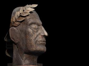 Włoska policja odkryła zrabowaną starożytną rzeźbę w belgijskim sklepie