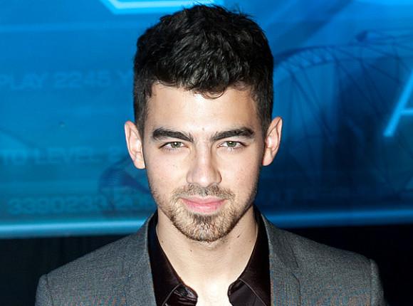 """""""Devotion"""" z Joe Jonasem i Thomasem Sadoskim"""