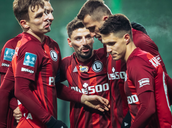 PKO Ekstraklasa: rozczarowujący remis w derbach Polski
