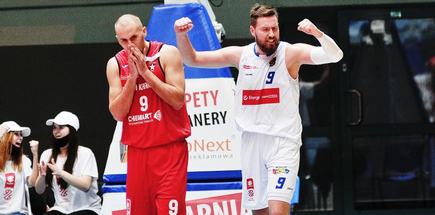 Koszykówka - Suzuki 1LM: Czarni najlepsi po 30 kolejkach, a Pogoń, Wisła i Nysa poza pierwszą ligą