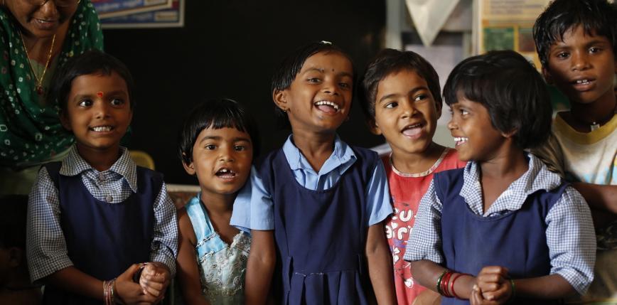 Indie: władze najludniejszego stanu promują politykę dwojga dzieci