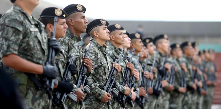 Peru militaryzuje granicę z Ekwadorem