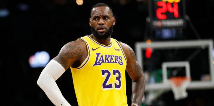 NBA: Hawks pokonali Lakers, kontuzja Jamesa