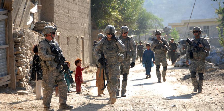 Afganistan: po 20 latach wojska USA opuściły bazę Bagram