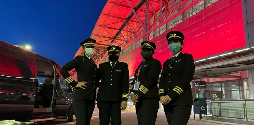 Indie: historyczny rekord pilotek dowodzących 17-godzinnym lotem nad biegunem północnym