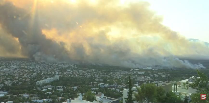 Ateny: pożar i ewakuacja tysięcy osób