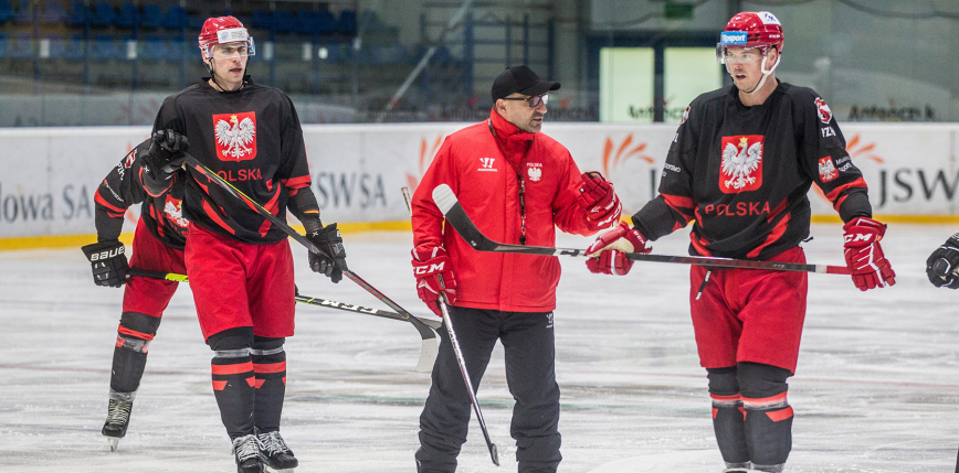 Hokej - Beat Covid-19: reprezentacja Polski przegrywa z liderem tabeli