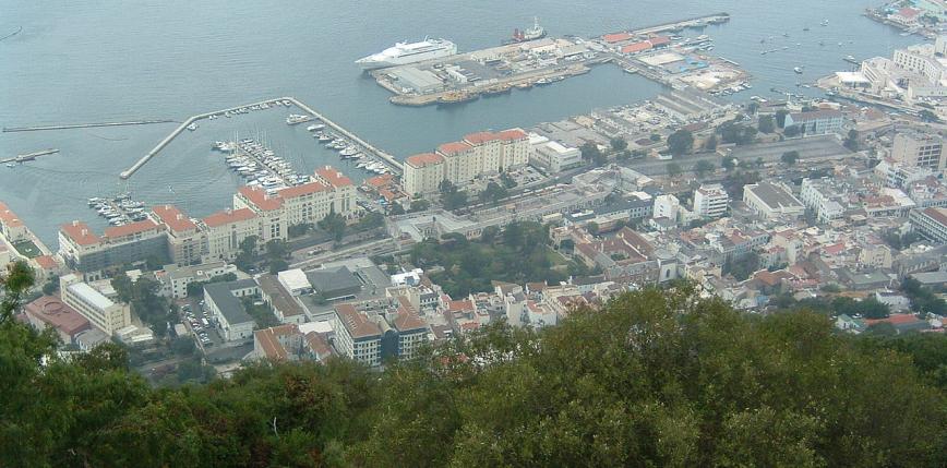 Gibraltar: zniesiono obowiązek noszenia masek na świeżym powietrzu