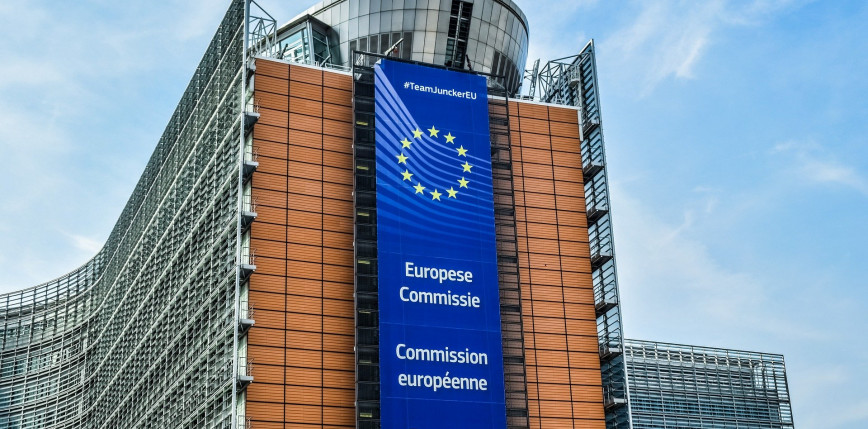 Komisja Europejska przedstawiła założenia paszportu dla zaszczepionych