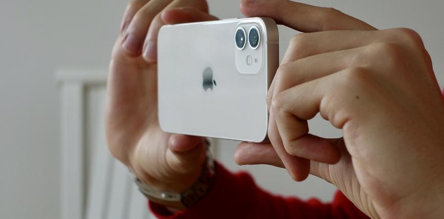 Słaba sprzedaż iPhone'a 12 mini