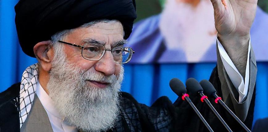 Przywódca Iranu mówi o sankcjach i... zakazuje importu szczepionek