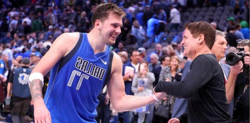 NBA: Hornets ulegli Bucks, Mavs rozgromili Warriors
