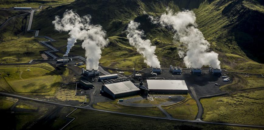"""Islandia: ruszyła największa na świecie instalacja pochłaniająca CO₂ - """"Orca"""""""