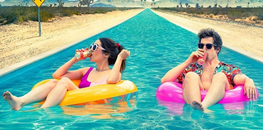 """""""Zapętleni"""" - recenzja filmu """"Palm Springs"""""""