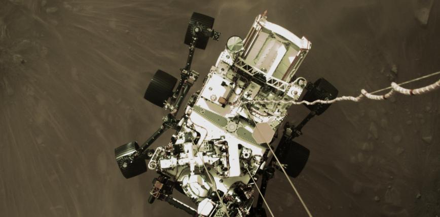 NASA dzieli się nagraniami z lądowania łazika Perseverance na Marsie