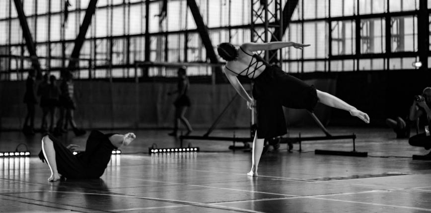 """""""Taniec to leży na pograniczu sportu i sztuki"""" – rozmowa z założycielką zespołu """"Poruszenie"""""""