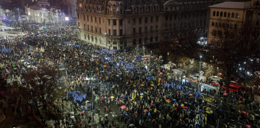 Rumunia: tysiące osób protestowało przeciwko restrykcjom związanym z COVID-19