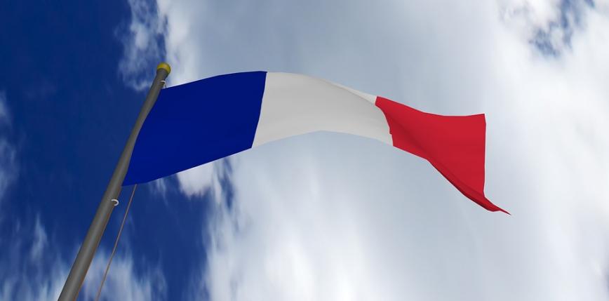 Francja przedłuża obostrzenia związane z epidemią