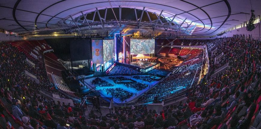 Worlds 2021: wyszarpane zwycięstwo Lwów; niepokonani faworyci