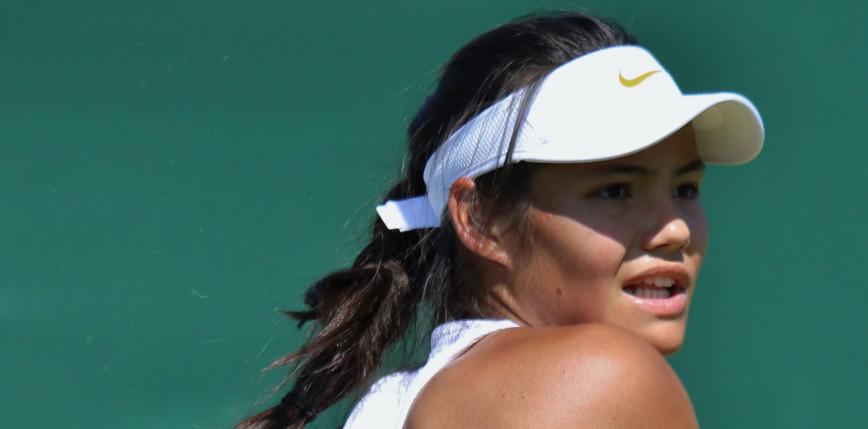 Tenis - US Open: amerykański sen Raducanu trwa, kolejny krok Djokovicia