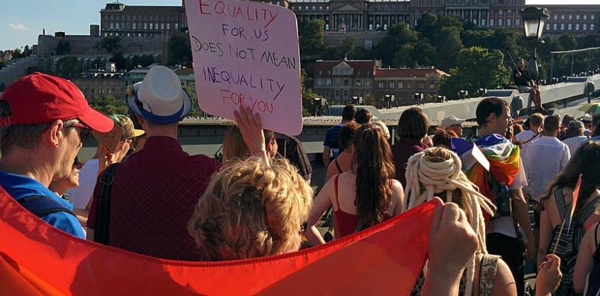 Węgry: przyjęcie ustawy o zakazie propagowania homoseksualizmu wśród nieletnich
