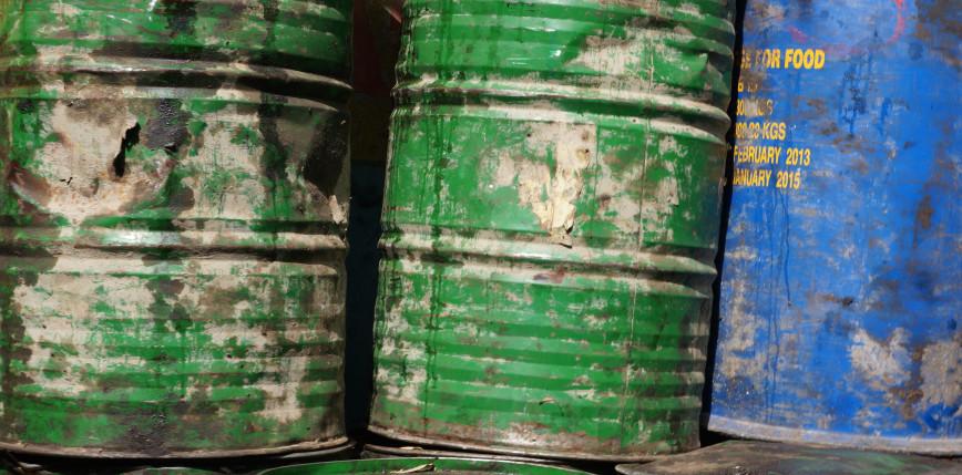 Dolnośląskie: funkcjonariusze odnaleźli 177 pojemników i beczek z substancjami niebezpiecznymi