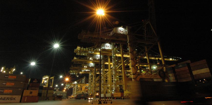Dubaj: eksplozja na kontenerowcu