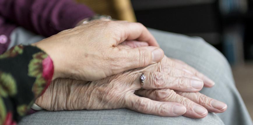 Japonia: 107-letnie bliźniaczki uznano za najstarsze na świecie