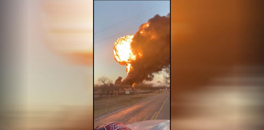 Teksas: eksplozja po zderzeniu pociągu z ciężarówką