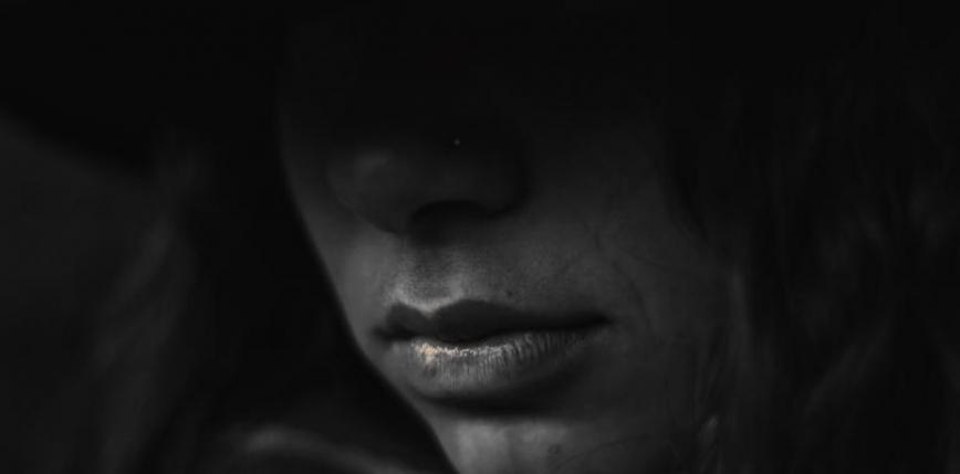 Indie: zbiorowy gwałt na głuchoniemej piętnastolatce