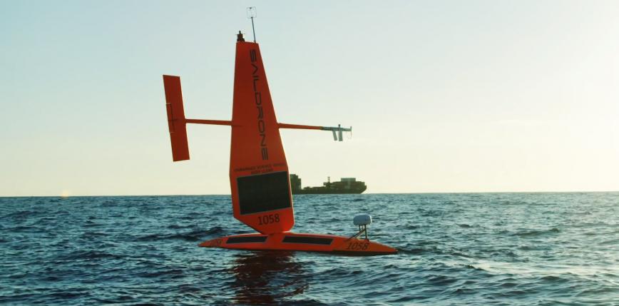 Saildrony - zrobotyzowane deski surfingowe w zastępstwie statków badawczych