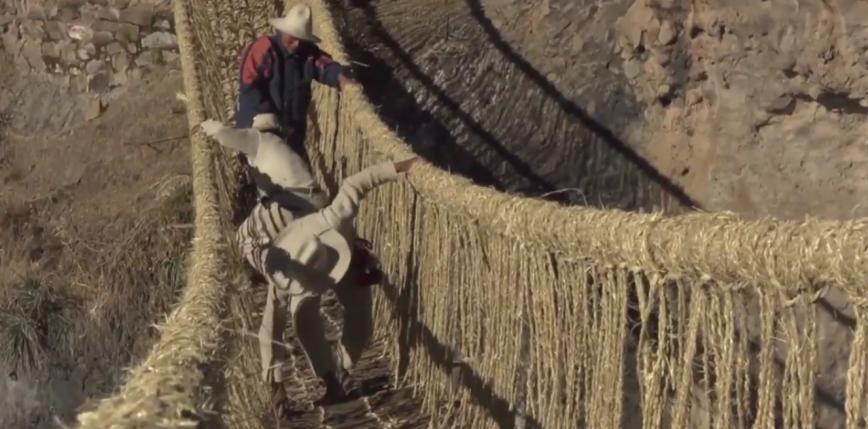 Peruwiańczycy rekonstruują 500-letni wiszący most Inków